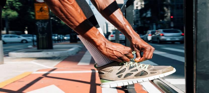 נעלי ספורט מותאמות